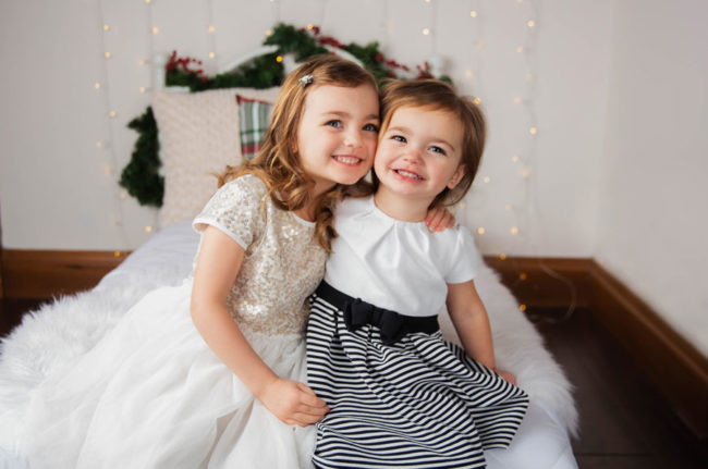 Christmas Mini Session Pictures at the 3 Cord Photography Sioux Falls Studio